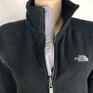 The North Face Sweater size s/P w full zipper